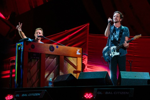 Chris Martin and Eddie Vedder